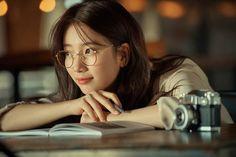 "Suzy ""Carin glasses"" 2018 F/W Collection Bae Suzy, Korean Actresses, Korean Actors, Korean Celebrities, Familia Jackson, Korean Girl, Asian Girl, Black Pink ジス, Miss A Suzy"