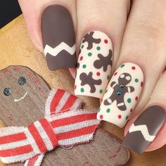 These gingerbread man nail stickers and stencils are great to create cute Christmas nails you just can't resist. Xmas Nail Art, Cute Christmas Nails, Xmas Nails, Christmas Nail Art Designs, Holiday Nails, Halloween Nails, Manicure Y Pedicure, Gel Nails, Acrylic Nails