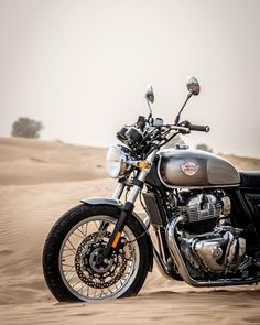 Royal Enfield Investor 650 ( Purchase all the different coloured tanks ) Royal Enfield Thunderbird Modified, Royal Enfield Modified, Classic 350 Royal Enfield, Enfield Classic, Royal Enfield Logo, Bullet Stickers, Old Bullet, Moto Wallpapers, Royal Enfield Wallpapers