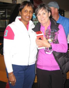Dolly Dawson from Partridge Jewellers & 2015 overall stableford winner, Lyn Marshall