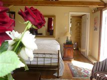 Godwin House B&B, Cranbrook Private B&B accommodation in Garden Cottage or the oldest Oast House in Kent with modern facilities and Wi-Fi.