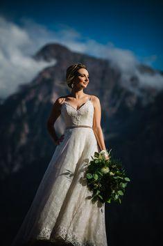 Fraser River Lodge Wedding Photos, Bridal Style, Wedding Bouquet, Mountain Wedding Photos, West Coast Wedding Photos, Vancouver Wedding Photos, Vancouver Wedding Photographer