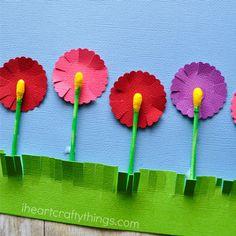 Dessinez un tableau fleuri avec des cotons-tiges. 11 façons insolites de s'amuser avec des cotons-tiges