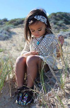 #kidswear #beadwork #beadedmoccasins #softsoles #deerskin #kidswear #nativefashion #handcrafted #moccasins #trendytots #aw16