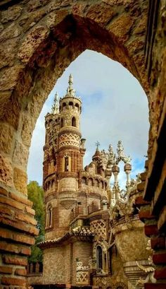 Colomares castle, a monument dedicated to Christopher Columbus and his arrival to the New World, Benalmadena, Andalusia, Spain -- about 25 minutes from Malaga city! Places Around The World, Oh The Places You'll Go, Places To Travel, Places To Visit, Travel Destinations, Beautiful Castles, Beautiful Buildings, Beautiful Places, Amazing Places