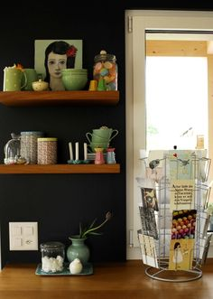 matte black(!) kitchen wall + portrait + colours