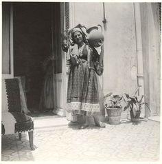 Σκυριανή ενδυμασία 1927-32.φωτ.Μαρία Χρουσάκη National Gallery, Skiathos, Greece, Painting, Islands, Women, Art, Places, People