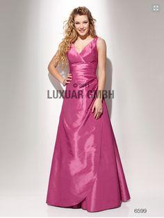 Rosa kjole med brede skulderstropper 6599. Drapert liv som er slankende. Glidelås i ryggen.   http://www.abelone.no/selskapskjoler/selskapskjoler/selskapskjoler/rosa-kjole/rosa-kjole-med-brede-skulderstropper-6599-detail