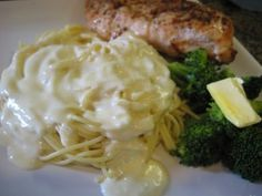 homemade alfredo sauce - easy & yummy!! just butter, cream, parmesan cheese, and pepper