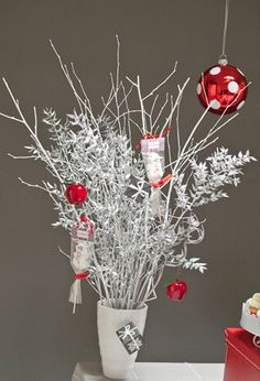 Do It Yourself Christmas Wedding Centerpieces | The Wedding ...