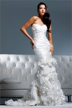 Sweetheart Neckline Applique Highlight The Curve Glamour Wedding Dress WD0810  www.tidebridaldresses.com $299.0000