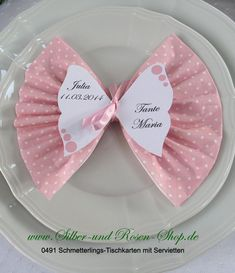 Schmetterlings-Tischkarten mit Druck +Servietten rosa Buy butterfly place cards with print + dots pink napkins Butterfly Place, Butterfly Table, Butterfly Cards, Pink Butterfly, Serviettes Roses, Ostern Party, New Baby Pictures, Pink Towels, Diy Crafts To Do