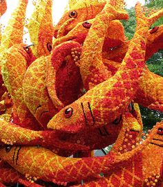flower-sculptures-bloemencorso-netherlands-27