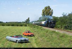 RailPictures.Net Photo: 247 Hungarian State Railways (MÁV) 424 at Ócsai szőlők, Hungary by László Zentai