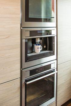 Technik- und Vorratscenter für die Küche Wall Oven, Kitchen Appliances, Ideas, Home, Best Husband, Diy Kitchen Appliances, Home Appliances, Ad Home