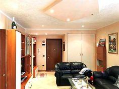 Carpi, Zona Magazzeno - Rif. T215  In zona comoda ai servizi e alle scuole, proponiamo appartamento ben curato, sito in condominio riservato. L'appartamento dispone di due camere matrimoniali, balcone, box, aria condizionata e doppi vetri. www.immobiliareblu.it Per ulteriori info 059-697177 o mail carpi@immobiliareblu.it  Seguici sulla nostra pagina FacebooK: www.facebook.com/ImmobiliareBlu