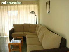 Se vende estupendo piso en la zona centro de Santa Pola. La vivienda dispone de 3 dormitorios, 1 ba�o, sal�n-comedor, balc�n acristalado, aire acondicionado.. Muy buena situaci�n. Ref: V3328