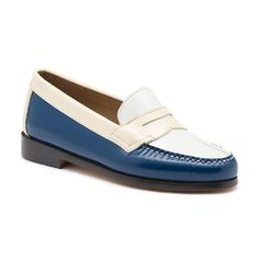 Shop leather loafers for women in G. Bass & Co.'s collection of women's Weejuns. Weejuns are the original penny loafers for women, so be part of American heritage with a pair. Leather Socks, Leather Loafers, Cute Shoes, Me Too Shoes, Bass Shoes, Retro Baby, Penny Loafers, Loafers For Women, Slip On Shoes