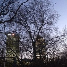 #love london #money district #canary wharf #evening by london_mrkts