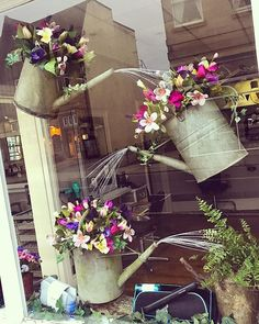 shop window displays Another absolutely wonderful window display by the fabulous nickicutlerflowers We are so lucky here at purehairsherborne to have Nicki create these tremendous windows displays for us Salon Window Display, Boutique Window Displays, Spring Window Display, Window Display Retail, Store Displays, Florist Window Display, Retail Displays, Display Windows, Fashion Window Display