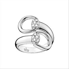 Horsebit ring in 18kt white gold and diamonds, total 0.44 carats, brilliant cut, G/H, VVS, weight 13g. New and delivered with manufacturer warranty and genuine GUCCI presentation b