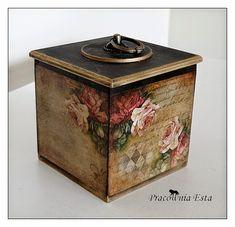 Pracownia Esta decoupage Decoupage Wood, Napkin Decoupage, Decoupage Vintage, Painted Boxes, Wooden Boxes, Altered Tins, Pretty Box, Tissue Boxes, Box Art