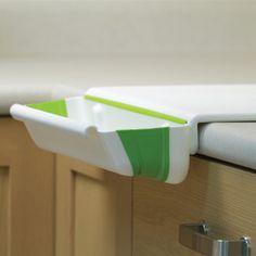 Collapsible Board And Bin, now featured on Fab.
