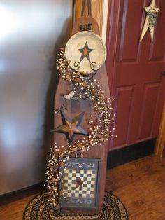 Ironing Board Wall Mount Ironing Board For Cheap! Deluxe Wood Wicker Ironing Board Center with Baskets… Creative Ironing Board Ideas Painted Ironing Board, Antique Ironing Boards, Wood Ironing Boards, Painted Boards, Primitive Homes, Primitive Crafts, Country Primitive, Primitive Plates, Prim Decor