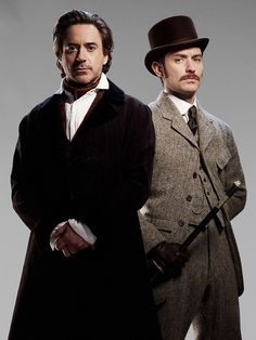 Robert Downey Jr and Jude Law in Sherlock Holmes (2009)