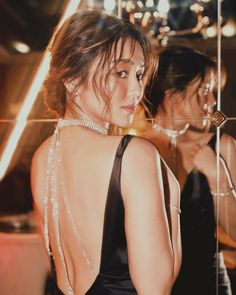 Bellezza ✨ Btw, in case you're wondering, those are her natural lashes with mascara only. Isn't life unfair? Kathryn Bernardo Photoshoot, Kathryn Bernardo Hairstyle, Kathryn Bernardo Outfits, Filipino, Jessica Vu, Boy And Girl Best Friends, Filipina Girls, Daniel Padilla, Natural Lashes