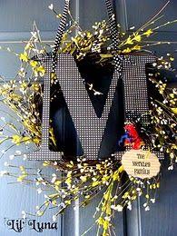 great monogram wreath!