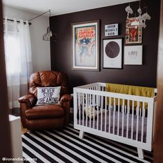 Sorry, Pastels: These 9 Spaces Prove Black Is The Trendiest New Nursery Color Baby Boy Rooms, Baby Boy Nurseries, Baby Room, Minimalist Room, Nursery Room, Nursery Décor, Nursery Ideas, Nursery Design, One Bedroom