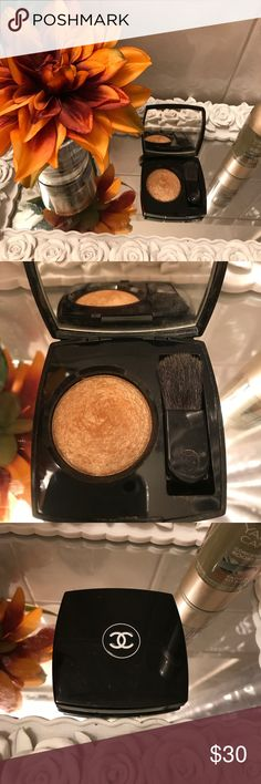 Chanel highlighter in gold fever Beautiful chanel highlighter in gold shimmer. Lightly used CHANEL Makeup Bronzer