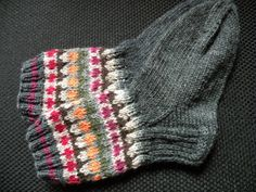 Wool Socks, Knitting Socks, Knitted Hats, Mittens, Knit Crochet, Barn, Quilts, Clothes For Women, My Love