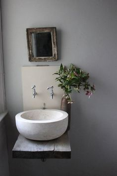 Modernes Badezimmer sinkt, um kleines Badezimmer-Design zu betonen Modern bathroom sinks to emphasize small bathroom design # emphasize Trendy Bathroom, Bathroom Fixtures, Modern Bathroom, Bathroom, Modern Bathroom Sink, Bathroom Sink Design, Bathroom Design, Sink Design, Small Bathroom Design