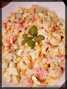 Słodko-słone pichcenie: Sałatka z tortellini, jajkiem i warzywami Tortellini, Pasta Salad, Ethnic Recipes, Food, Crab Pasta Salad, Essen, Meals, Yemek, Eten