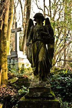 Headstone in Victorian graveyard, Highgate Cemetery Swain's Ln, London, UK 