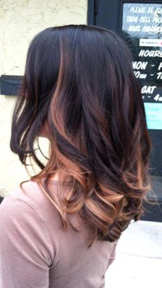 Peek a boos on dark hair // I've been trying to explain this to my hairdresser!