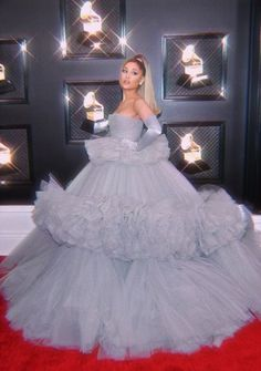 Shared by glamifyari. Find images and videos about ariana grande, edit and grammy awards on We Heart It - the app to get lost in what you love. Ariana Grande Grammys, Ariana Grande Fans, Ariana Grande Pictures, Justin Bieber, Charlotte, Glamour, Queen, Hollywood Celebrities, My Idol