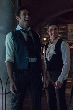 Zac Efron and Hugh Jackman on the sets of The Greatest Showman The Greatest Showman, Hugh Jackman, Hugh Michael Jackman, Zac Efron, Hamilton Musical, High School Musical, Showman Movie, Bon Film, Avengers