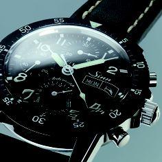 Modell 103 St  Der klassische Fliegerchronograph.    Die Varianten der Modellreihe Sinn 103 machen auf den ersten Blick sichtbar, wofür sie geschaffen wurden:   Kompromißlose Funktionalität