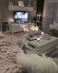 53 affordable apartment living room design ideas on a budget 31 - 16 room decor Apartment design ideas Living Room Decor Cozy, Living Room Grey, Home Living Room, Apartment Living, Living Room Designs, Bedroom Decor, Table For Living Room, Budget Living Rooms, Loving Room Decor