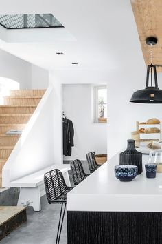 Global living with furniture and home accessories from HKliving. A Dutch brand with original, pure and modern designs. Interior Desing, Interior Styling, Interior Inspiration, Interior Architecture, Interior Decorating, Cosy Kitchen, Space Kitchen, Classic Kitchen, Cocinas Kitchen