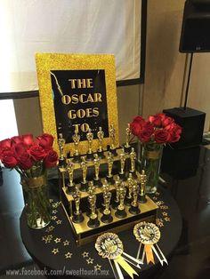 Hollywood party celebrity awards vip entrée porte bannière signe prop décoration