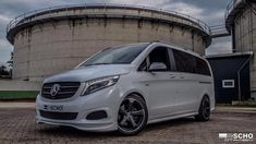 Hartmann Bodykit Mercedes V Class 447 Tuning 7 Mercedes Bus, Honda Civic Type R, Car Buyer, Audi Q7, Automobile Industry, Motorcycle Outfit, Car Brands, New Pictures, Mazda
