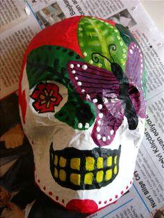 Turkishly Delightful: DIY: Day of the Dead paper mache skull