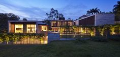 Three-Volume JKC2 House by ONG&ONG 4