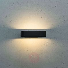 Linear Juno LED outdoor wall lamp | Lights.ie