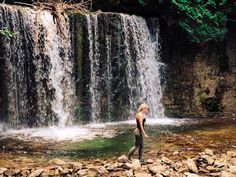 Ontario's Waterfall Swimming Hole Is A Refreshing Paradise In The Summer - Narcity Places To Travel, Places To Visit, Ontario Travel, Waterfall Hikes, Travel Oklahoma, Swimming Holes, Death Valley, New York Travel, Canada Travel