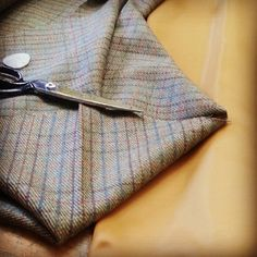 Mustard lining in this soon-to-be tweed jacket? ... why not!  #tailoring #longford #Ireland #tweed #shop #fashion #menswear #kellymenswear